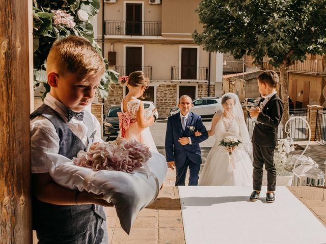 Il matrimonio di Marco e Theresa a Barrafranca, Enna 11