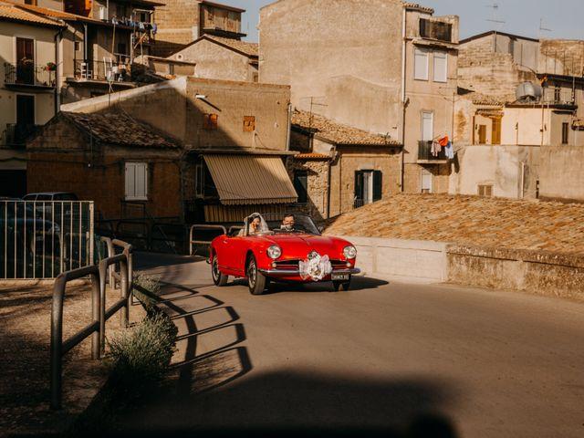 Il matrimonio di Marco e Theresa a Barrafranca, Enna 20
