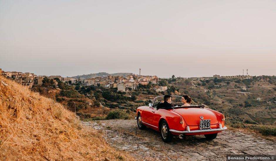 Il matrimonio di Marco e Theresa a Barrafranca, Enna