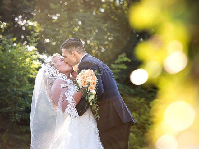 Il matrimonio di Gian Lorenzo e Benedetta a Camaiore, Lucca 35