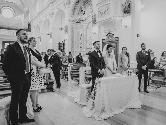 Il matrimonio di Enrico e Laura a Miglianico, Chieti 122
