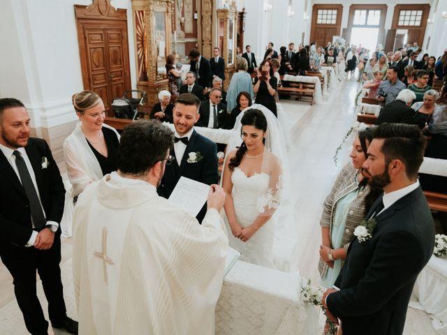 Il matrimonio di Enrico e Laura a Miglianico, Chieti 142