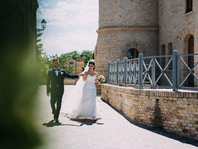 Il matrimonio di Enrico e Laura a Miglianico, Chieti 174