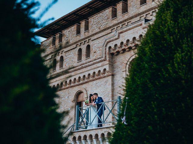 Il matrimonio di Enrico e Laura a Miglianico, Chieti 211