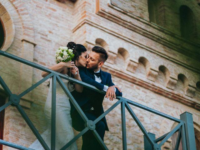 Il matrimonio di Enrico e Laura a Miglianico, Chieti 212