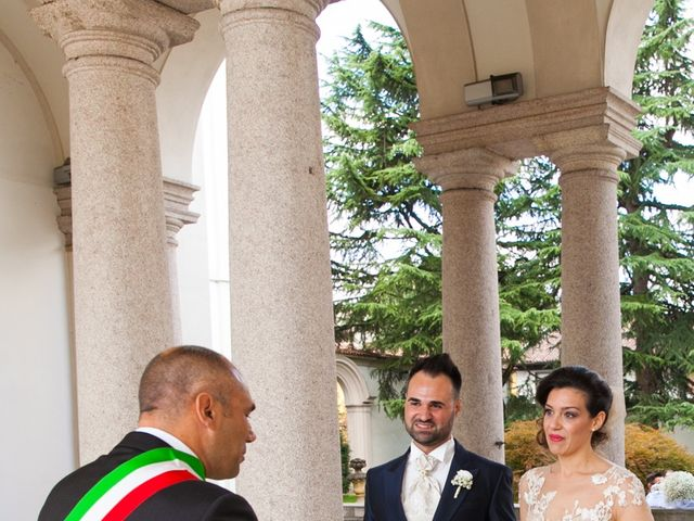 Il matrimonio di Mirko e Mara a Cavernago, Bergamo 38