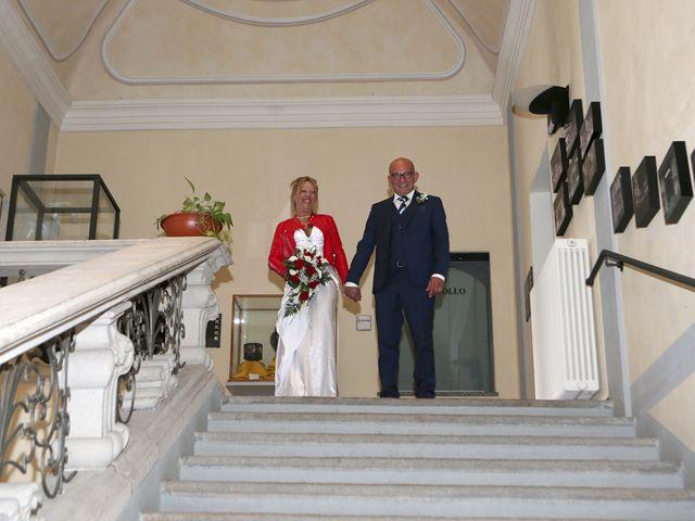 Il matrimonio di Filippo e Beba a Laveno-Mombello, Varese 15