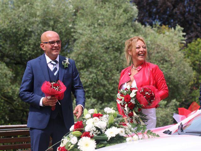 Il matrimonio di Filippo e Beba a Laveno-Mombello, Varese 16