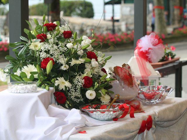 Il matrimonio di Filippo e Beba a Laveno-Mombello, Varese 19