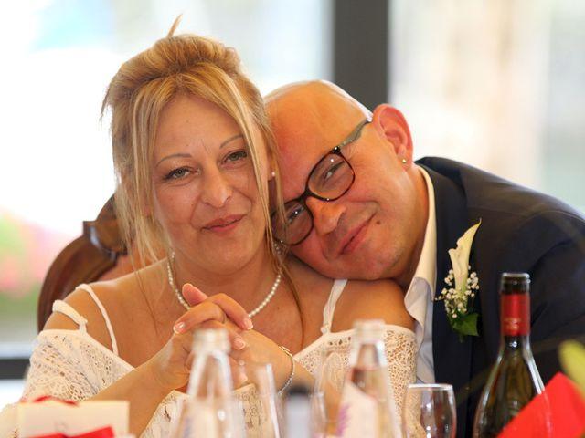 Il matrimonio di Filippo e Beba a Laveno-Mombello, Varese 25