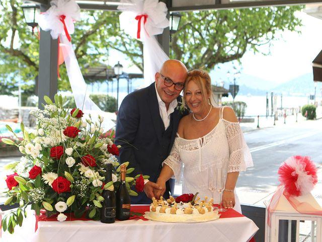Il matrimonio di Filippo e Beba a Laveno-Mombello, Varese 26