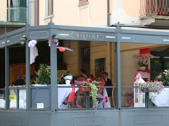 Il matrimonio di Filippo e Beba a Laveno-Mombello, Varese 32