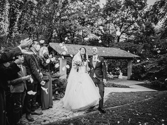 Il matrimonio di Davide e Ilaria a Malnate, Varese 24