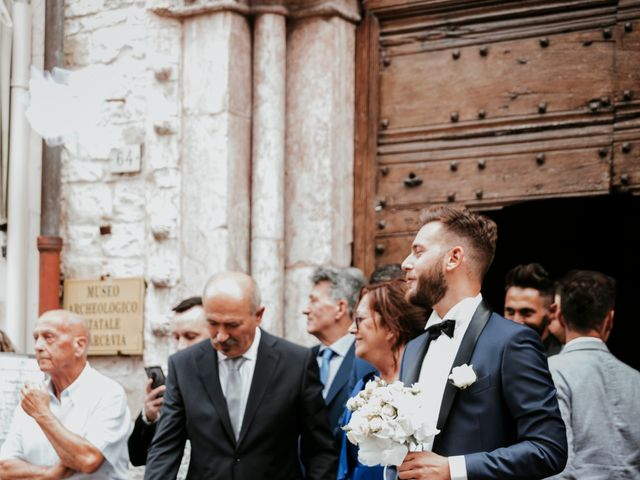 Il matrimonio di Mattia e Francesca a Arcevia, Ancona 57