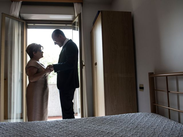 Il matrimonio di Emiliano e Roberta a Ferno, Varese 7