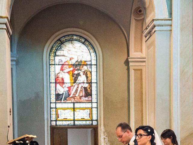 Il matrimonio di Emiliano e Roberta a Ferno, Varese 14