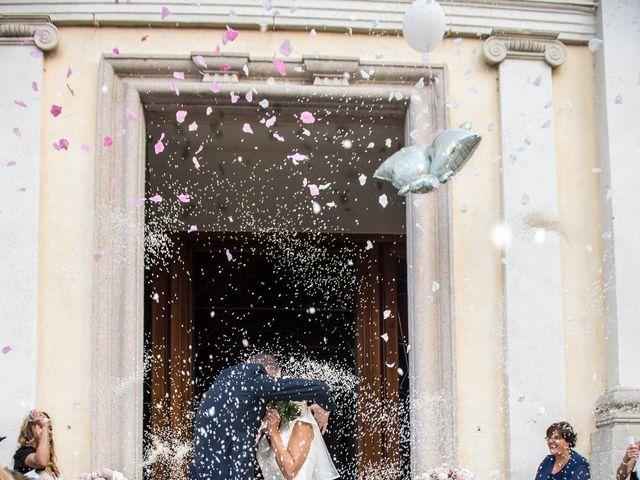 Il matrimonio di Emiliano e Roberta a Ferno, Varese 18