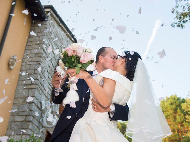 Il matrimonio di Emiliano e Roberta a Ferno, Varese 26
