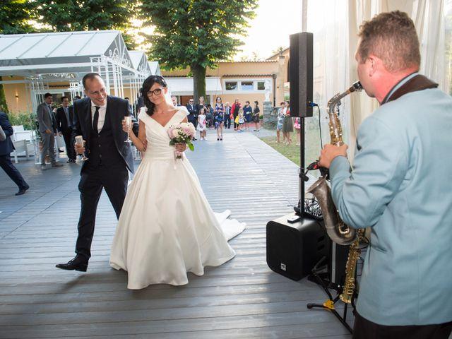 Il matrimonio di Emiliano e Roberta a Ferno, Varese 27