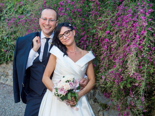 Il matrimonio di Emiliano e Roberta a Ferno, Varese 35