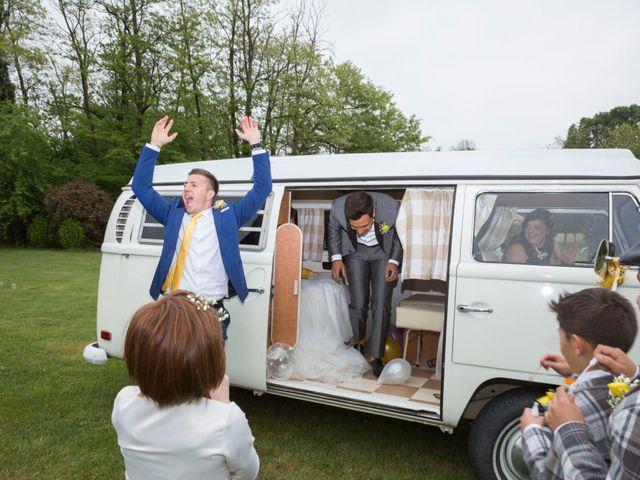 Il matrimonio di Davide e Daniela a Besozzo, Varese 15