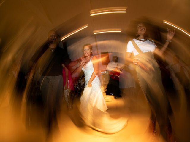 Il matrimonio di Tonio e Miriam a Mola di Bari, Bari 15