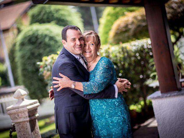Il matrimonio di Roberto e Daniela a Oggiona con Santo Stefano, Varese 6