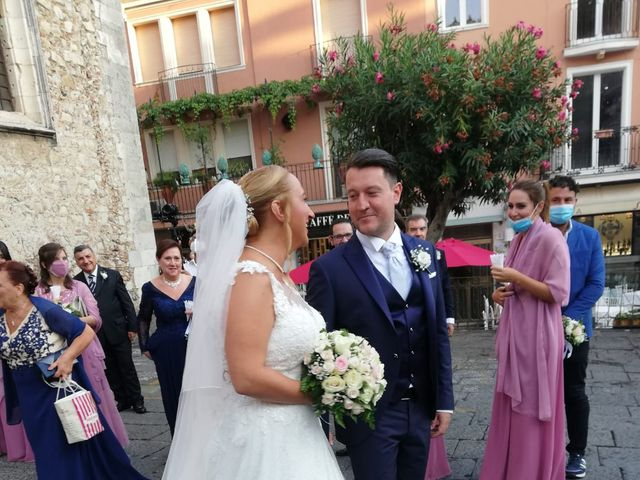 Il matrimonio di Lazzaro e Elvira a Taormina, Messina 14