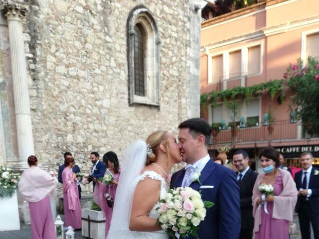 Il matrimonio di Lazzaro e Elvira a Taormina, Messina 15