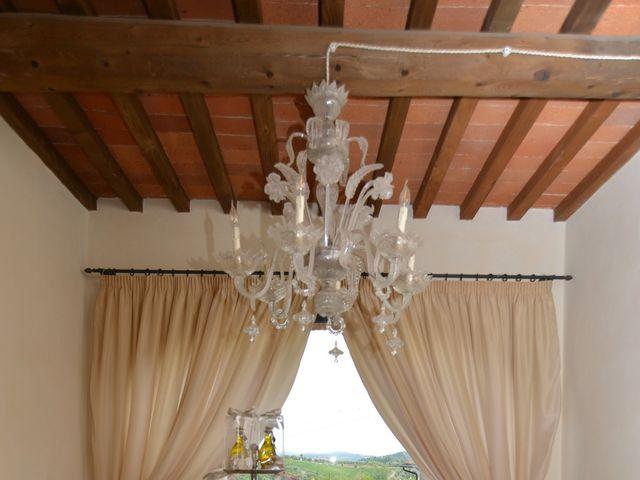 Il matrimonio di Nicola e Ambra a Carmignano, Prato 17