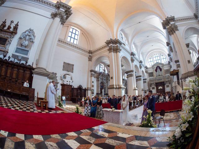 Il matrimonio di Daniele e Jessica a Chioggia, Venezia 14