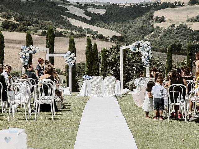Il matrimonio di Alice e Claudio a Fossombrone, Pesaro - Urbino 41