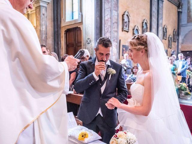 Il matrimonio di Dario e Valentina a Varallo Pombia, Novara 23