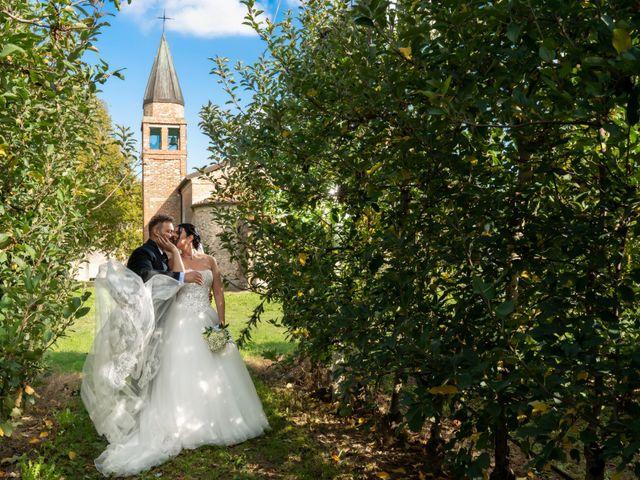 Il matrimonio di Enrico e Silvia a Jesolo, Venezia 22