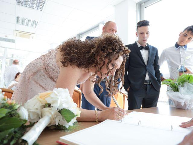 Il matrimonio di Domenico e Nadia a Chiesina Uzzanese, Pistoia 17