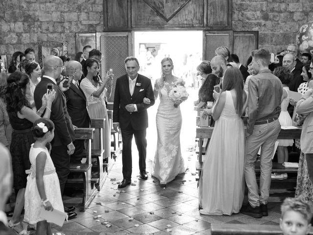 Il matrimonio di Antonio e Azzurra a Monteriggioni, Siena 30