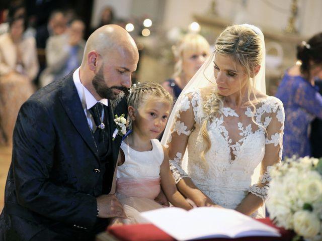 Il matrimonio di Antonio e Azzurra a Monteriggioni, Siena 32