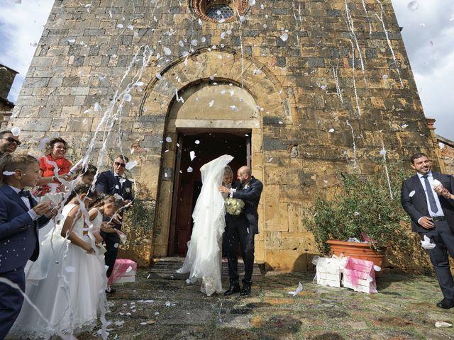 Il matrimonio di Antonio e Azzurra a Monteriggioni, Siena 40