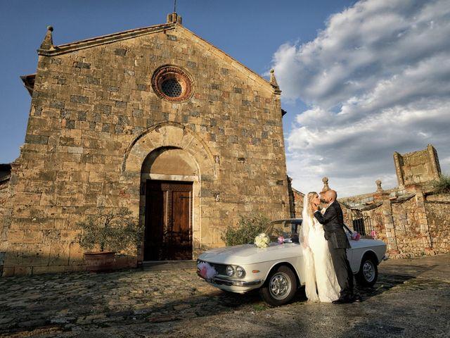 Il matrimonio di Antonio e Azzurra a Monteriggioni, Siena 43