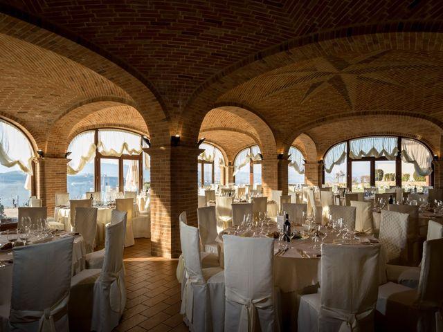 Il matrimonio di Simone e Cristina a Barolo, Cuneo 13