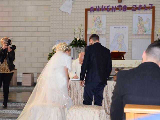 Il matrimonio di Michele e Carmela a Cagnano Varano, Foggia 3