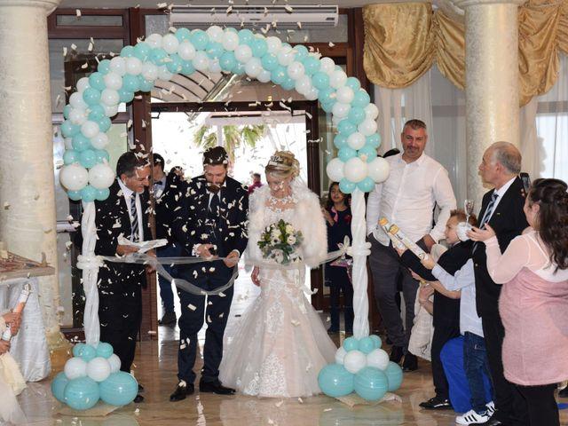 Il matrimonio di Michele e Carmela a Cagnano Varano, Foggia 10