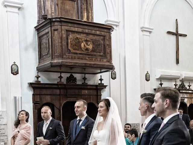 Il matrimonio di Diego e Francesca a Maddaloni, Caserta 15