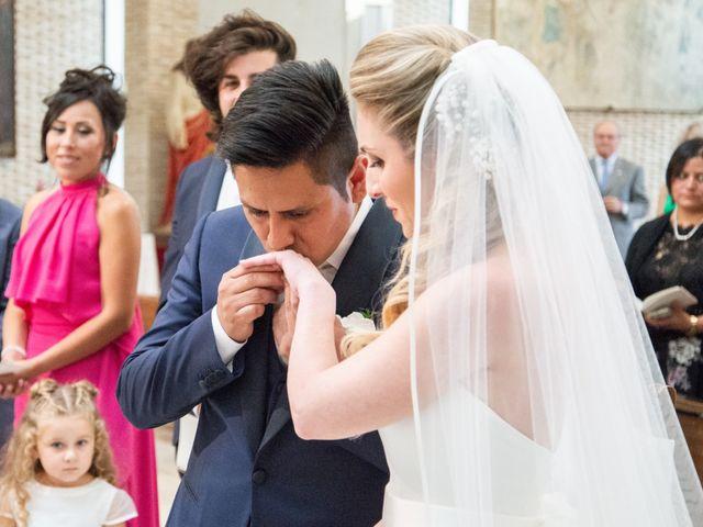 Il matrimonio di Roberto e Romina a Numana, Ancona 7