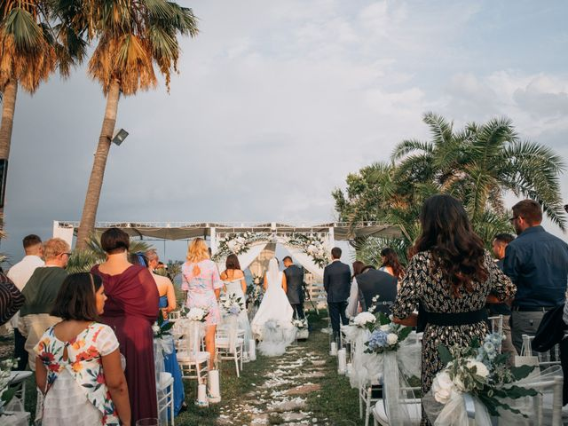 Il matrimonio di Lara e Denis a Terracina, Latina 6