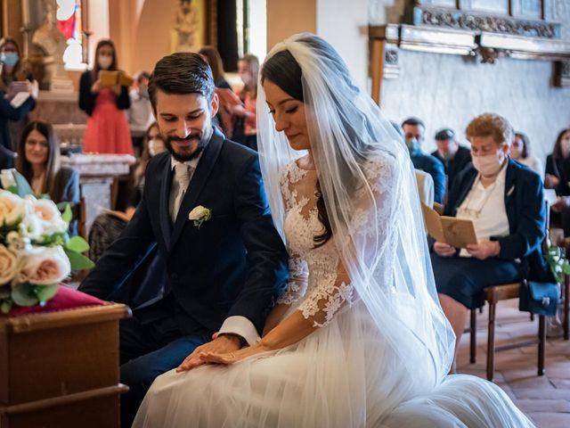 Il matrimonio di Alessandro e Alessandra a Brunello, Varese 18