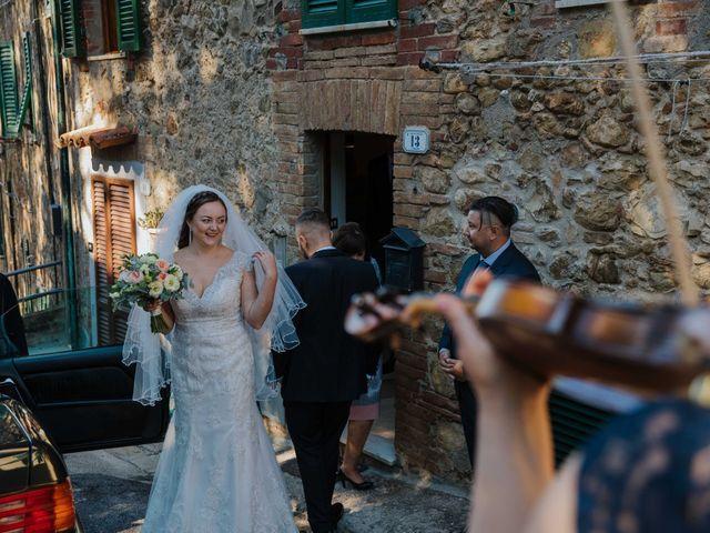Il matrimonio di Dumitru e Iuliana a Chiusdino, Siena 15