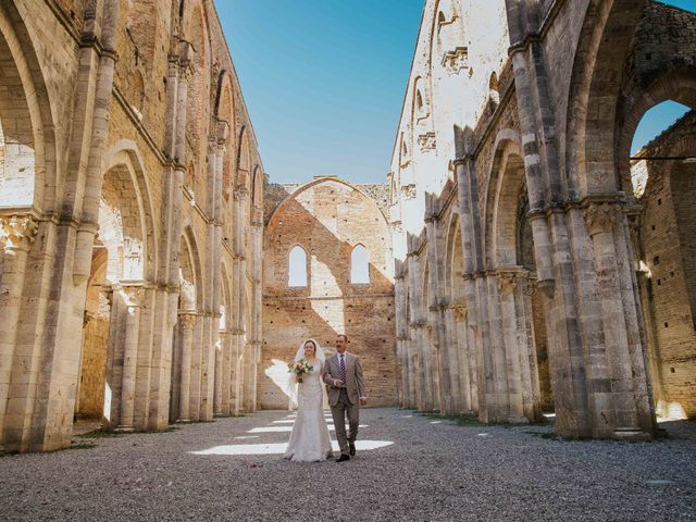 Il matrimonio di Dumitru e Iuliana a Chiusdino, Siena 17