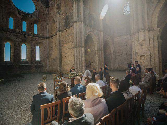 Il matrimonio di Dumitru e Iuliana a Chiusdino, Siena 31