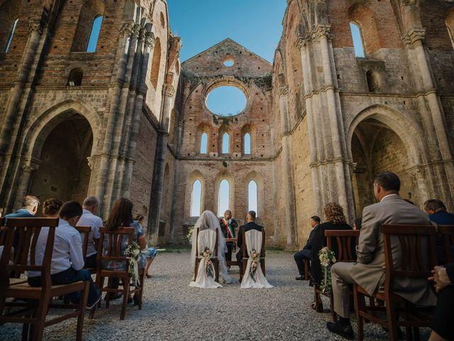 Il matrimonio di Dumitru e Iuliana a Chiusdino, Siena 1